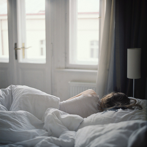 bed-comfortable-sleep-sleeping-Favim.com-603158